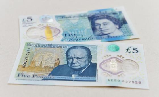 İngiltere'de Yeni Plastik Banknot Fabrikası Açılıyor